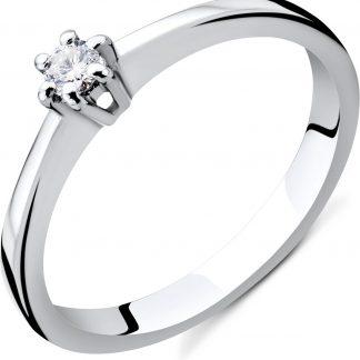Majestine verlovingsring 14 karaat 585 witgoud met diamant 0.08 ct zetting 6 griffen- maat 56
